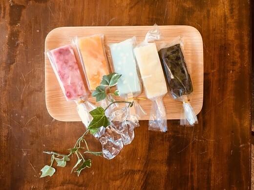 菓子司『新月』の溶けないアイス「くずバー」とひんやりわらび餅【蒲郡市元町】